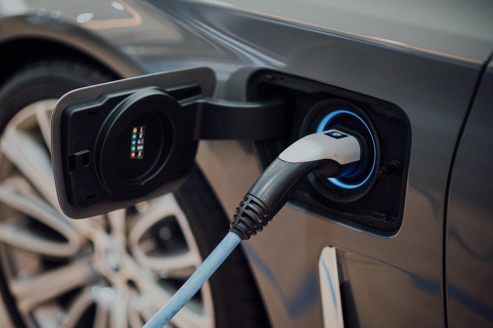 vehículo eléctrico e intereses económicos